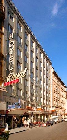 โรงแรมรอยัล: Hotel Royal Exterior