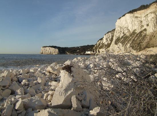 The White Cliffs Hotel: The White Cliffs at St Margarets Bay