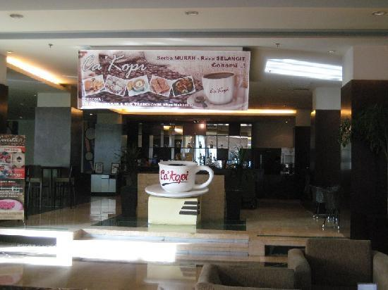 Grand Clarion Hotel & Convention Makassar: Cafe Ca'Kopi