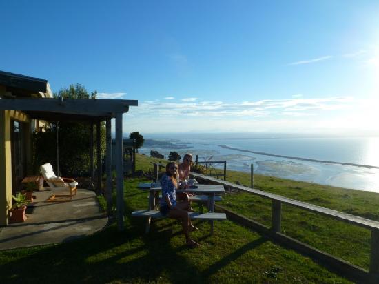 Harris Hill Cottages : patio