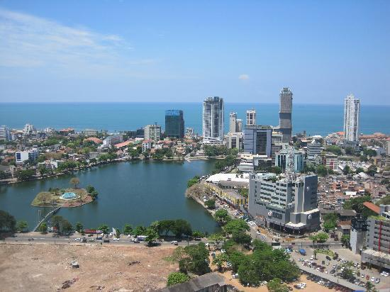Hilton Colombo Residence: View of Colombo from our room