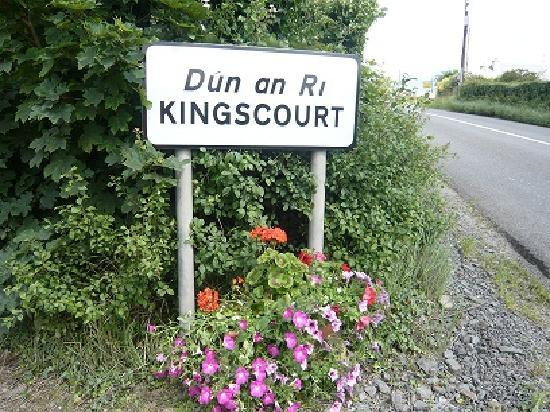 Hollow Stream Bed & Breakfast: Welcome to Kingscourt Cavan Ireland sign outside Hollow Stream B&B