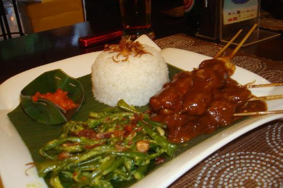 Sanur, Endonezya: Sate