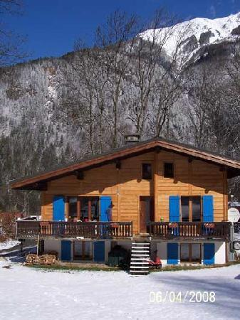 Chalet les Frenes: Chalet Spring (post-renovation)