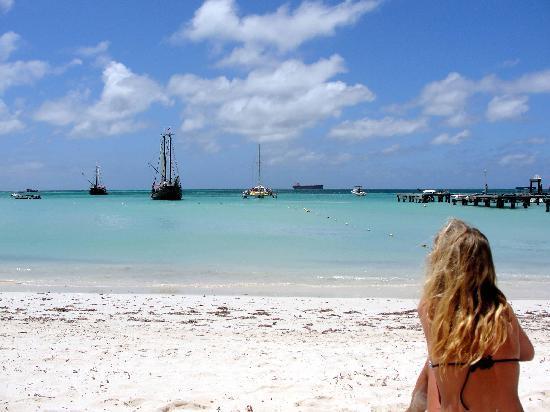 بوردووك سمول هوتل أروبا: The beach by the Boardwalk is fantastic!