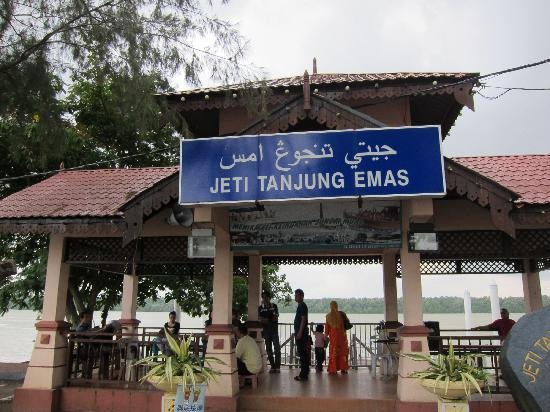 Muar, Malasia: Tanjung Emas Jetty for river cruise