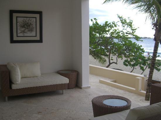 Beach Palace Cabarete: Beachfront Patio Luxury Condo no 118