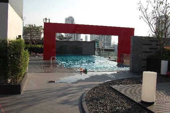 Four Points By Sheraton Bangkok, Sukhumvit 15: Rooftop pool