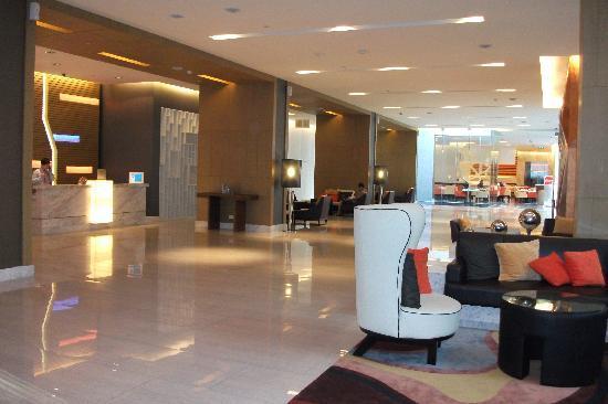 Four Points By Sheraton Bangkok, Sukhumvit 15: lobby