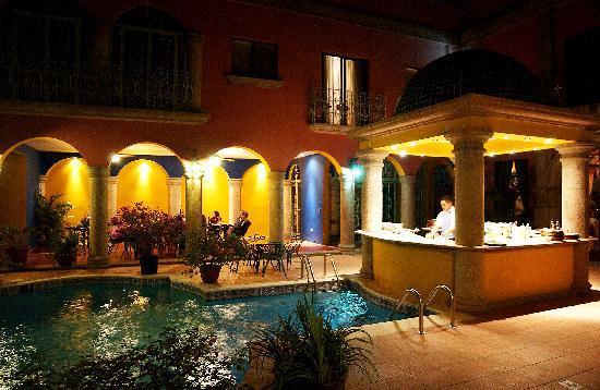 Hotel Portal del Angel: Terraza y Piscina