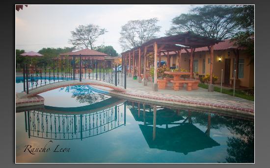 Hotel Rancho Leon