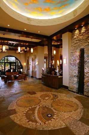 Sheraton Grand at Wild Horse Pass: Aji Spa lobby