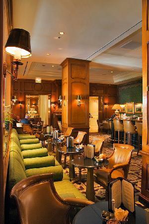 The Club Bar at The Peninsula: The Club Bar