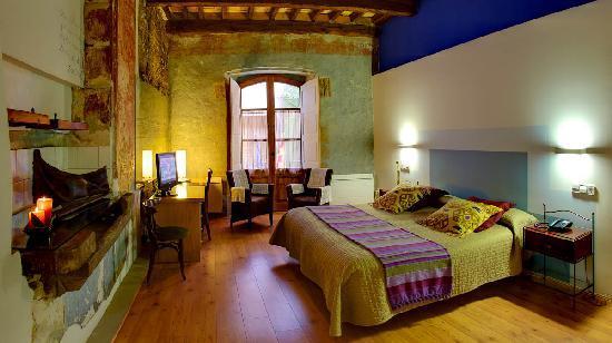 Solsona, İspanya: Habitación doble superior con vistas a s.XIV