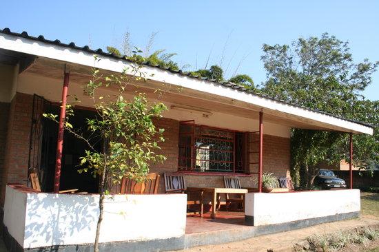Mzoozoozoo Lodge: Mzoozoozoo building