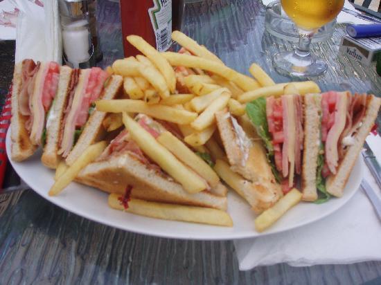 Annapolis Inn Art Hotel: Ham & cheese sandwish att Annapolis