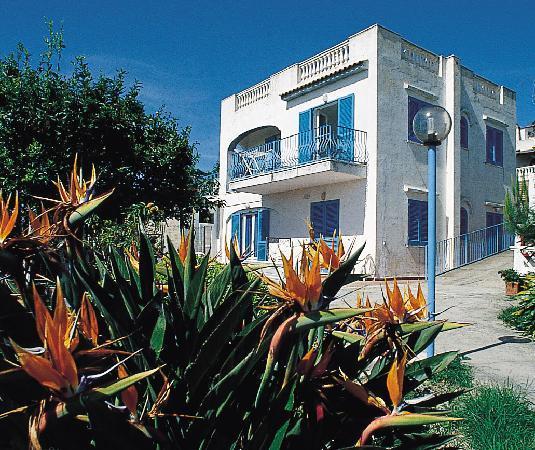 Park Hotel Residence Villa Marinu': esterni