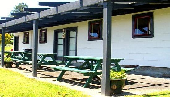 Waitomo Top 10 Holiday Park: Double cabins. Great budget accommodation