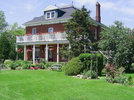 Summer at Green Woods Inn