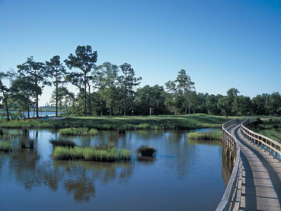 Lake Charles, Luizjana: 7 Public golf course offer year round excitment.