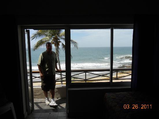 Hotel la Siesta: Patio view from inside our room