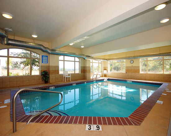 Comfort Suites Eugene: Beautiful Indoor Pool