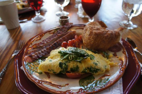 Hearthstone Lodge: Valentine's day breakfast