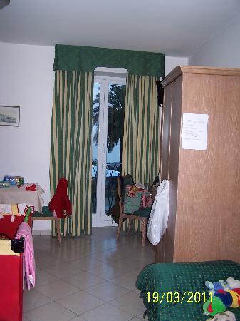 Hotel Riviera: Vista dalla porta d'ingresso