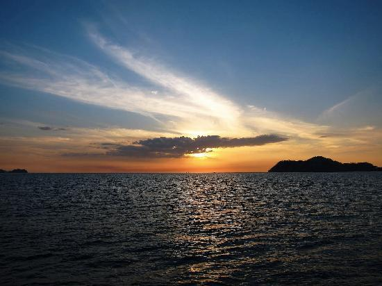 Papagayo Vargas Tours: sunset aboard sea bird