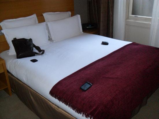 The Park City Grand Plaza Kensington Hotel: bedroom