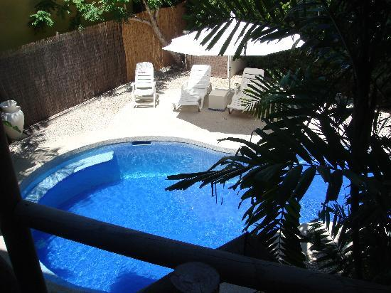 Horizon Ocean View Hotel and Yoga Center: Our Private pool with the villa