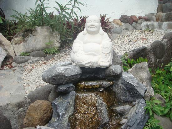 Horizon Ocean View Hotel and Yoga Center: Little garden Buddha