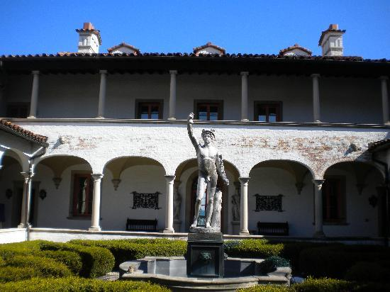 Villa Terrace Decorative Arts Museum: Villa Terrace