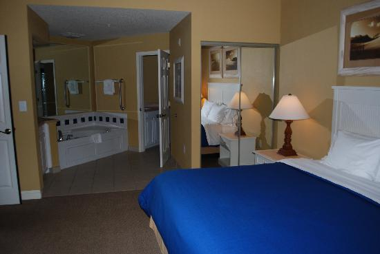 Sheraton Broadway Plantation Resort Villas: our bedroom