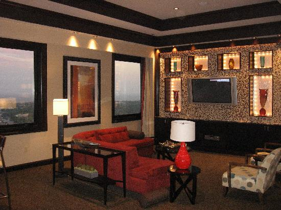 IP Casino Resort Spa - Biloxi: Penthouse Suite Living Room