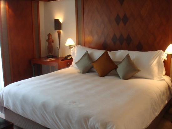 maybe the best bed ever... - Picture of The Sukhothai Bangkok ...