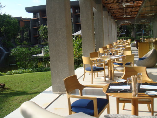 Renaissance Phuket Resort & Spa: one of the very cool restaurants