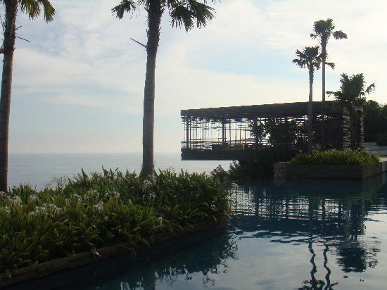 Alila Villas Uluwatu: the main cabana up to the ocean... impressive...
