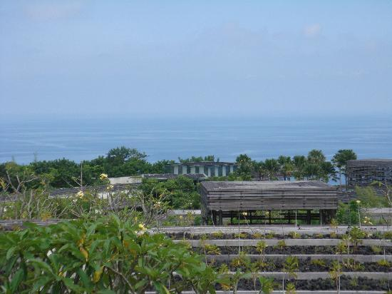 Alila Villas Uluwatu: view from the villa on the resort and the ocean