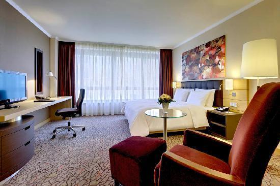 Hilton Mainz: King Hilton Guest Room