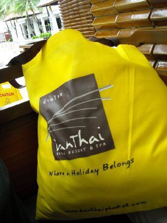 Banthai Beach Resort & Spa: Free beach bag