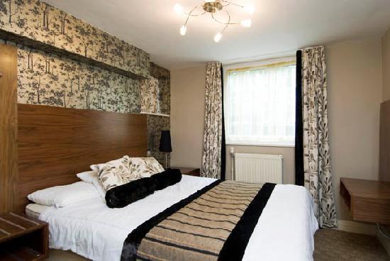 The New London Carlton Hotel: Deluxe Bedroom