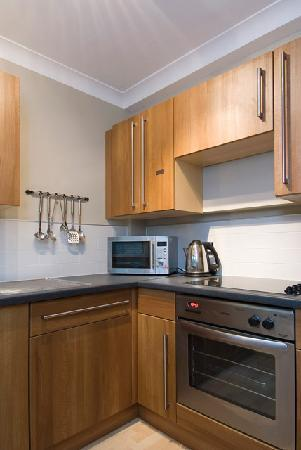 The New London Carlton Hotel: Deluxe 2 Bedroom Kitchen