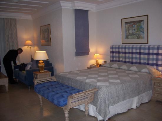 Columbia Beach Resort Pissouri: Our room
