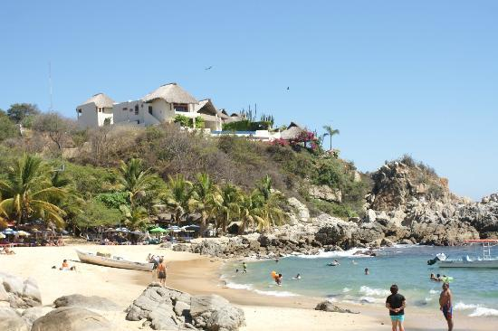 Hotel Flor de Maria: One of the small, protected beaches