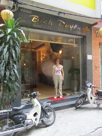 Bich Duyen Hotel: Hotel entrance
