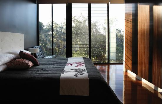 Glass on Glasshouse: Bedroom