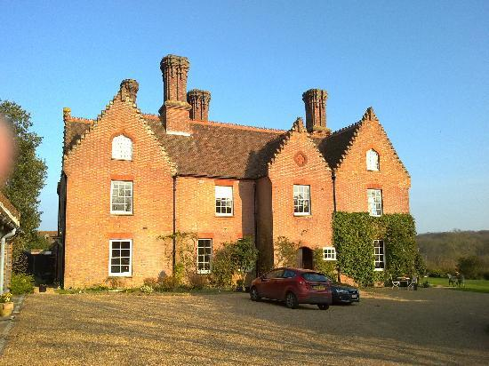 Sissinghurst Castle Farmhouse: House from the front