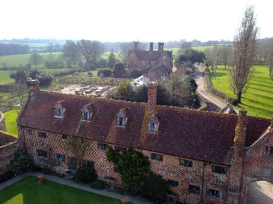 ‪‪Sissinghurst Castle Farmhouse‬: House from Sissinghurst Castle Tower‬