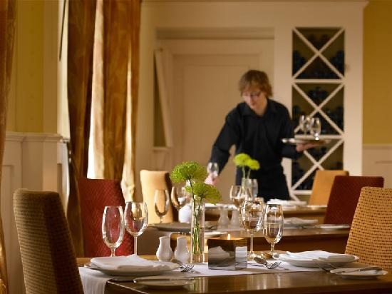 Downings Bay Hotel: The Haven Dining room